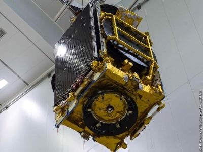 Pose du satellite Eutelsat 172B, premier satellite électrique, sur Ariane 5